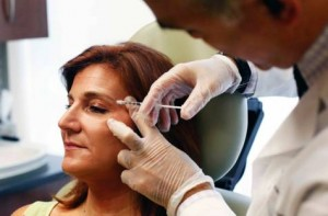University Hospital Sharjah team treats migraine with Botox injections