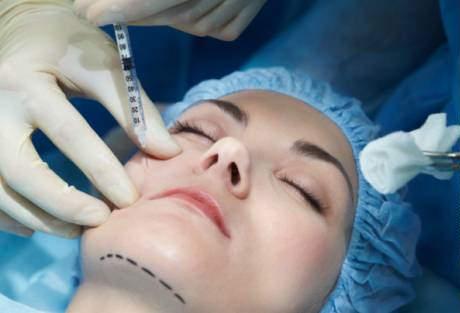 """Vampire"" facials banned in Dubai salons"