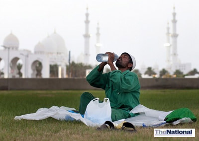 UAE doctors warn fasting Muslims about dehydration