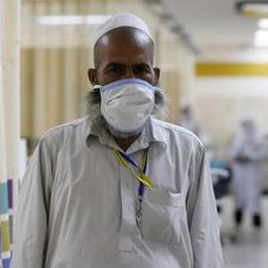 "UN experts warn of ""critical knowledge gaps"" on Saudi MERS virus"