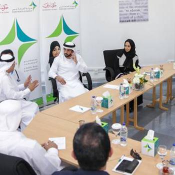 Hamdan receives health officials