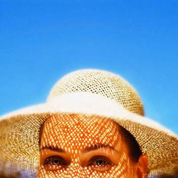 How constant exposure to sunlight causes wrinkles, skin cancer