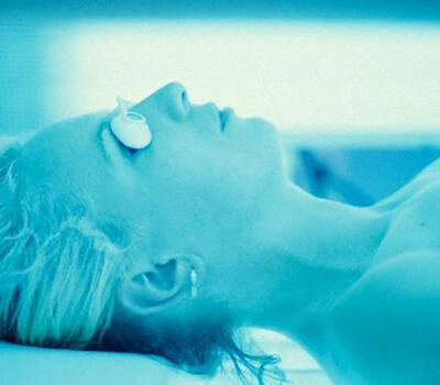 Expert warns of indoor tanning