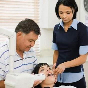 Bad teeth no laughing matter, say experts