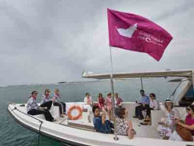 Breast cancer survivors join pink boat parade in Palm