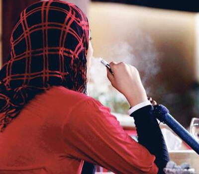Dubai bans pregnant women in shisha cafes