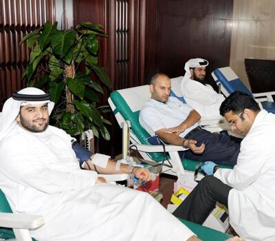 Dubai Municipality employees donate blood